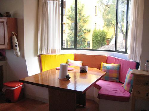 Kitchen corner nook table photo - 1