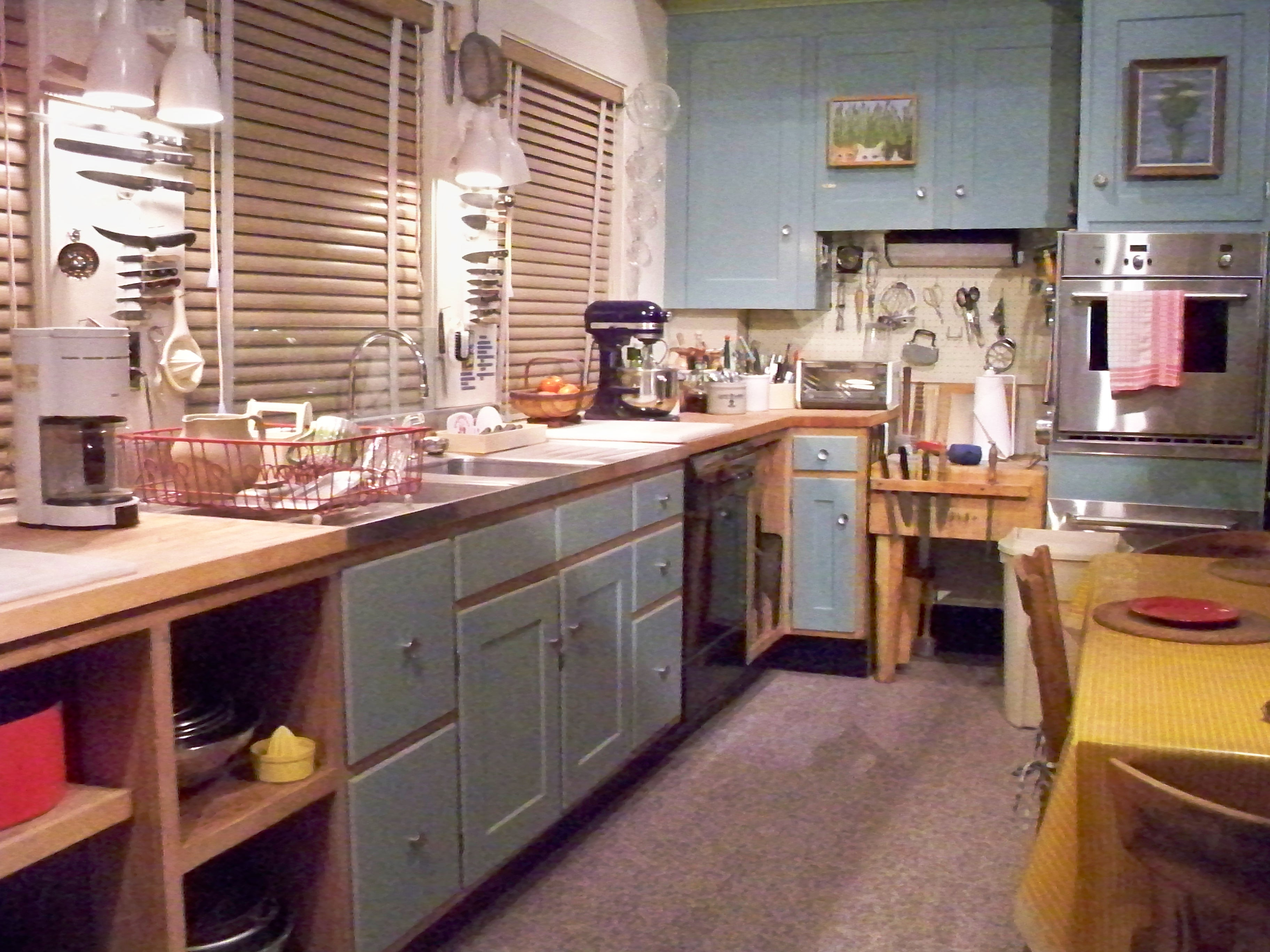 Kitchen dinner sets photo - 2
