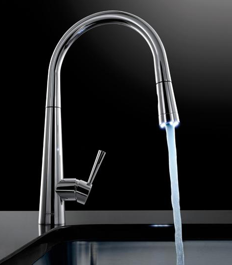 Kitchen faucet nozzle photo - 2