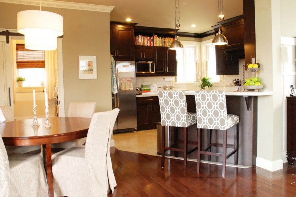 Kitchen island stools with backs photo - 3