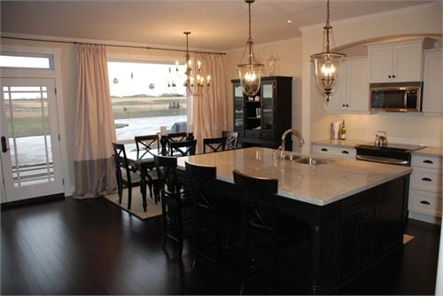 Kitchen island table with stools photo - 2