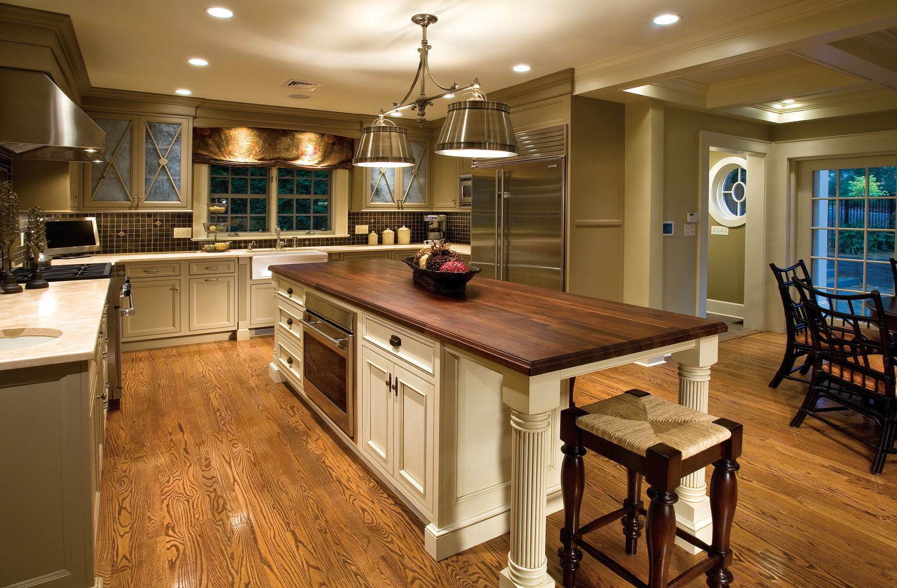 Kitchen island with stainless steel top photo - 2