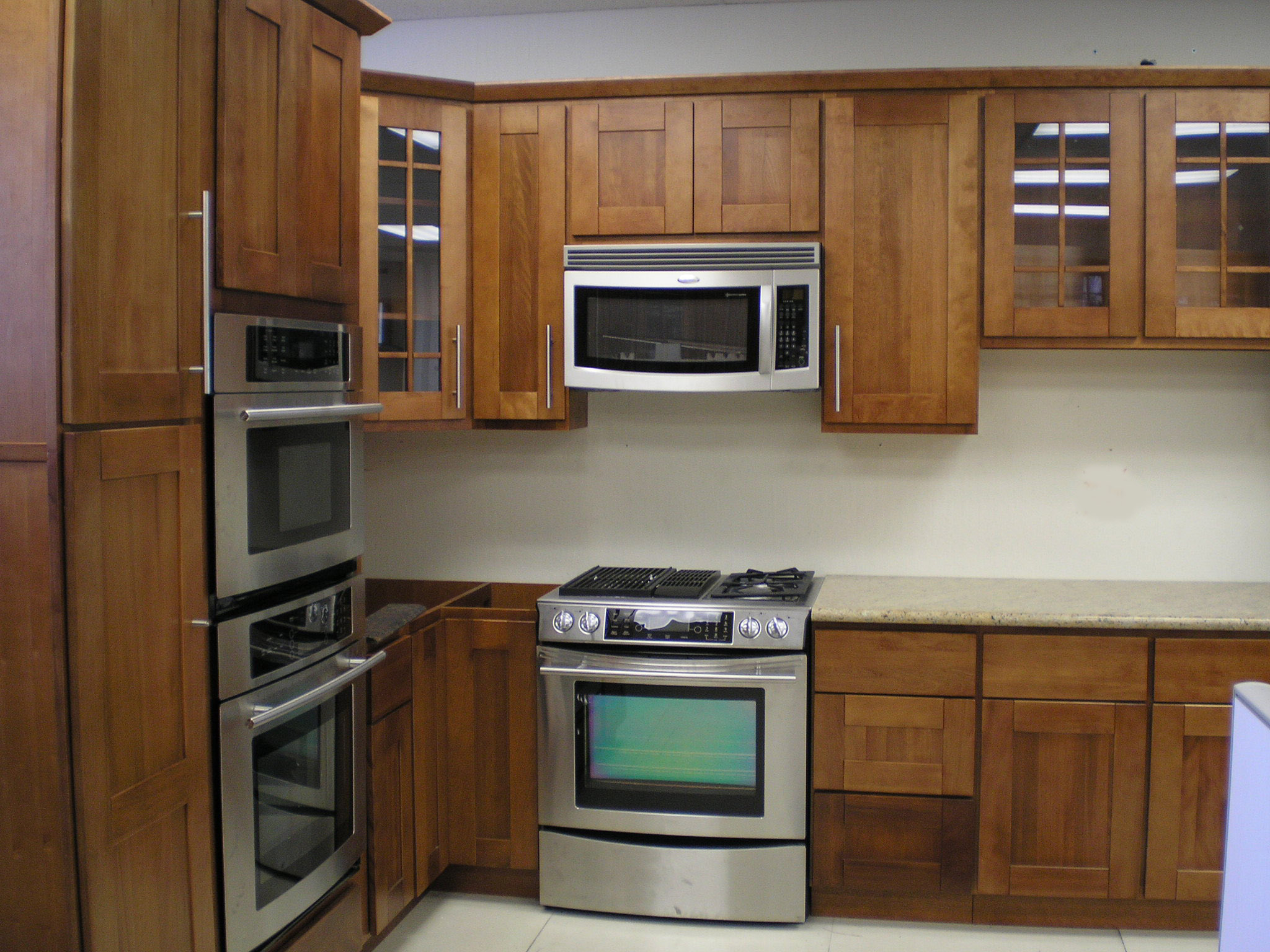 Kitchen island with stainless steel top photo - 3