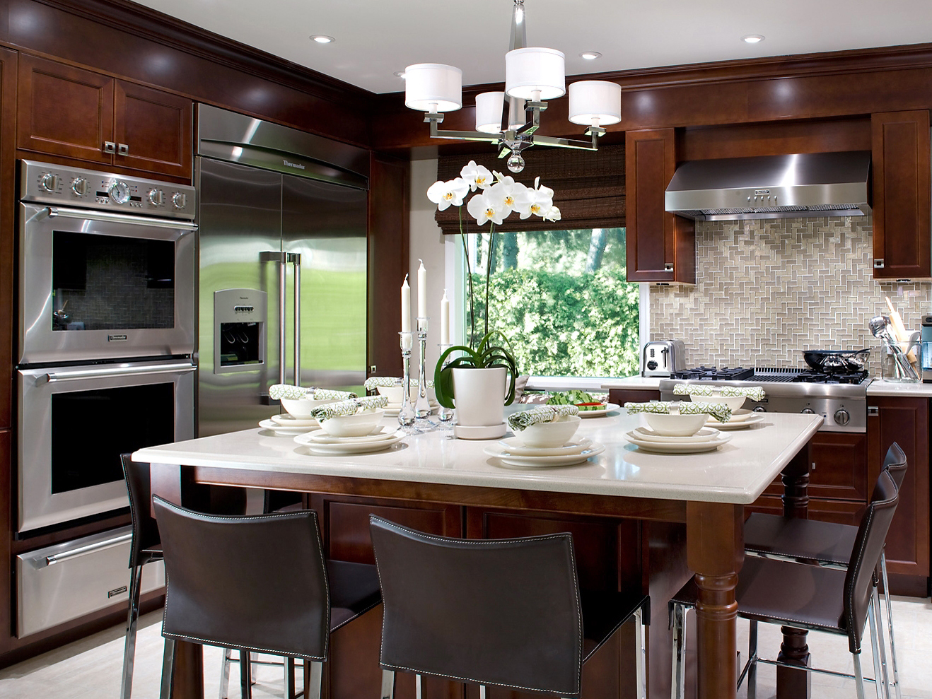Kitchen islands with drawers photo - 2