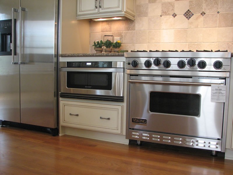 Kitchen microwave cabinet photo - 3