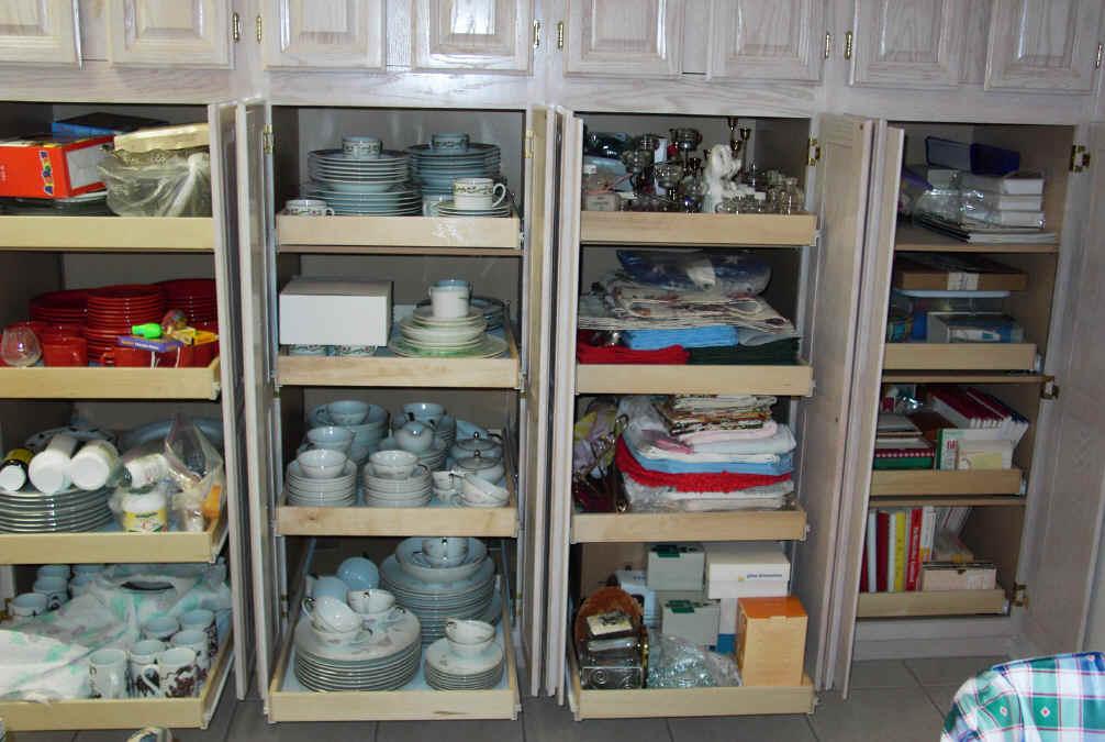 Kitchen pantry closet photo - 3