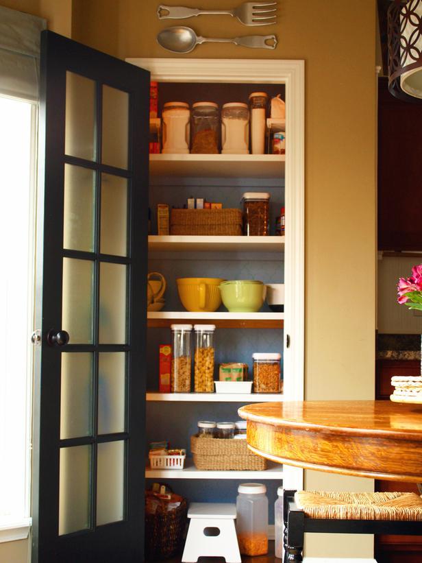Kitchen pantry doors photo - 2
