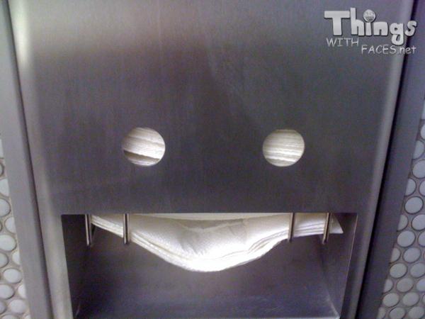 Kitchen paper towel dispenser photo - 2