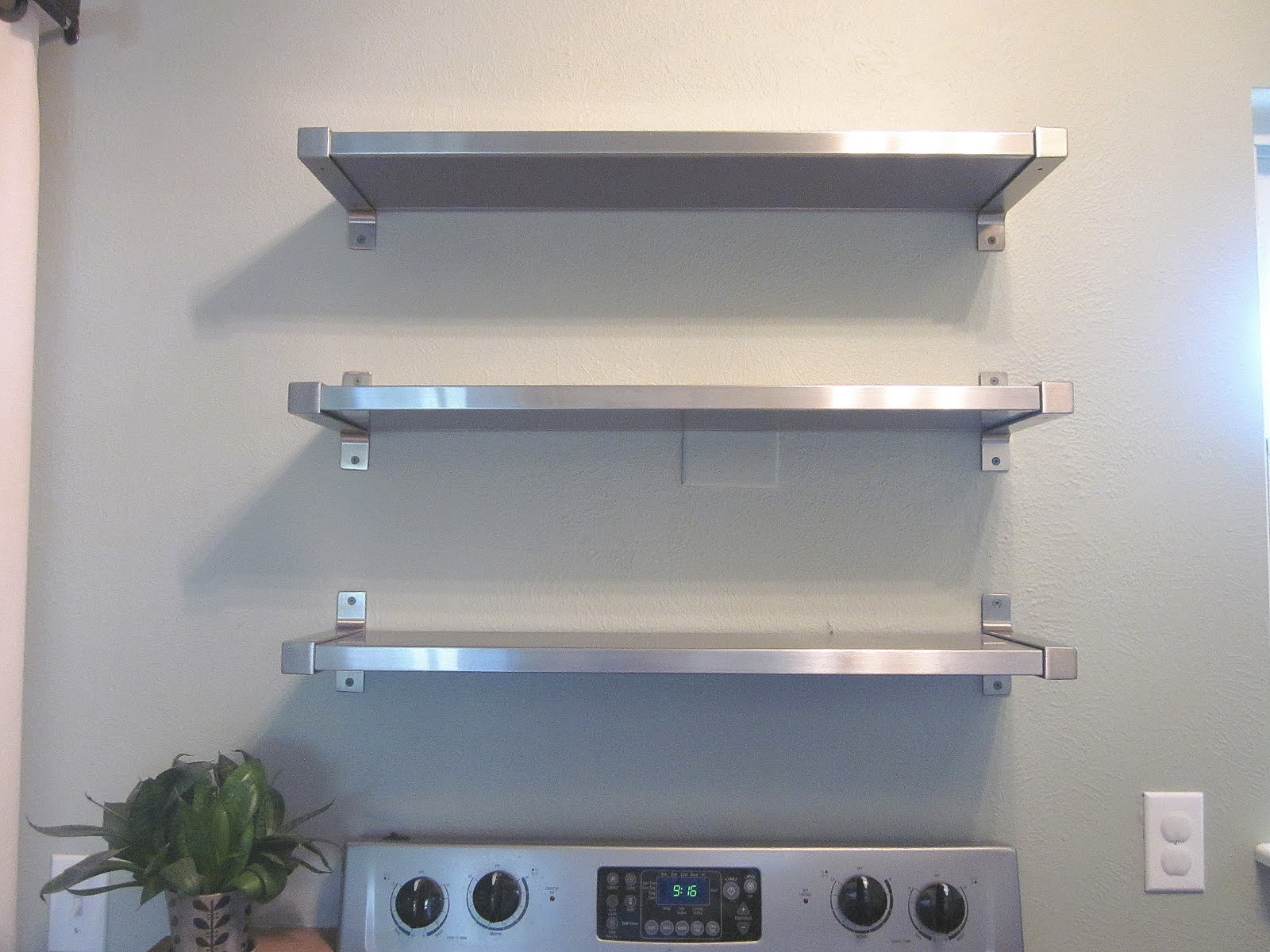 Kitchen shelves wall mounted photo - 2