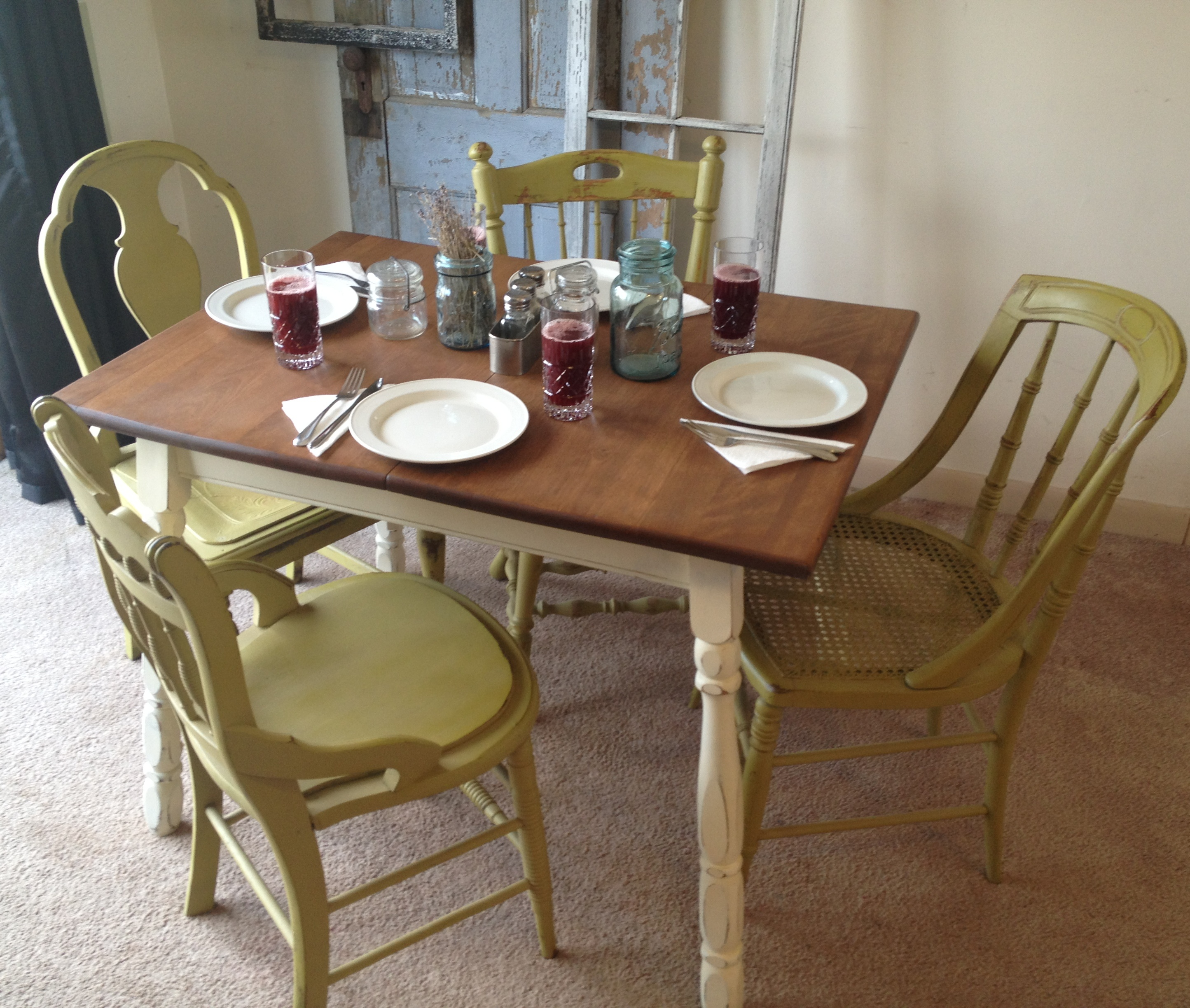 Kitchen table with 4 chairs photo - 1