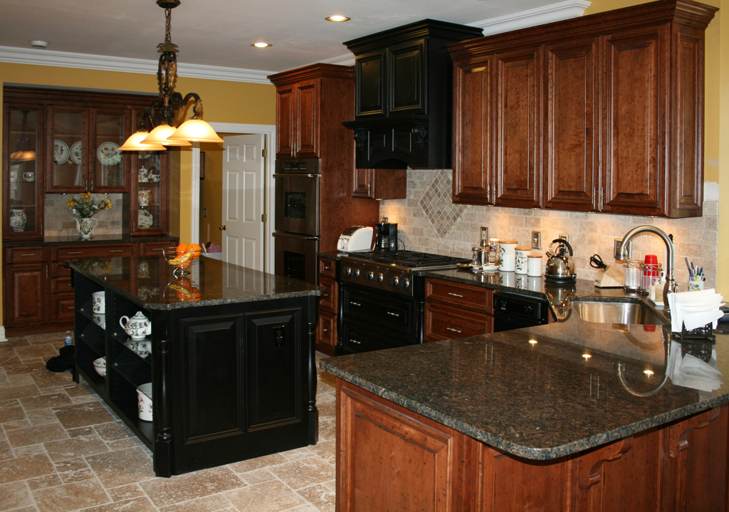 Kitchen table with tile top photo - 2