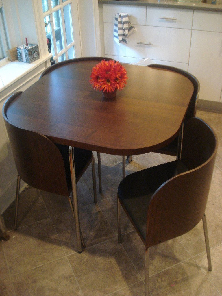 Kitchen tables and chairs for small spaces photo - 3