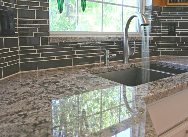 Kitchen wall backsplash photo - 1