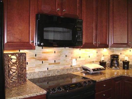 Kitchen wall backsplash photo - 3