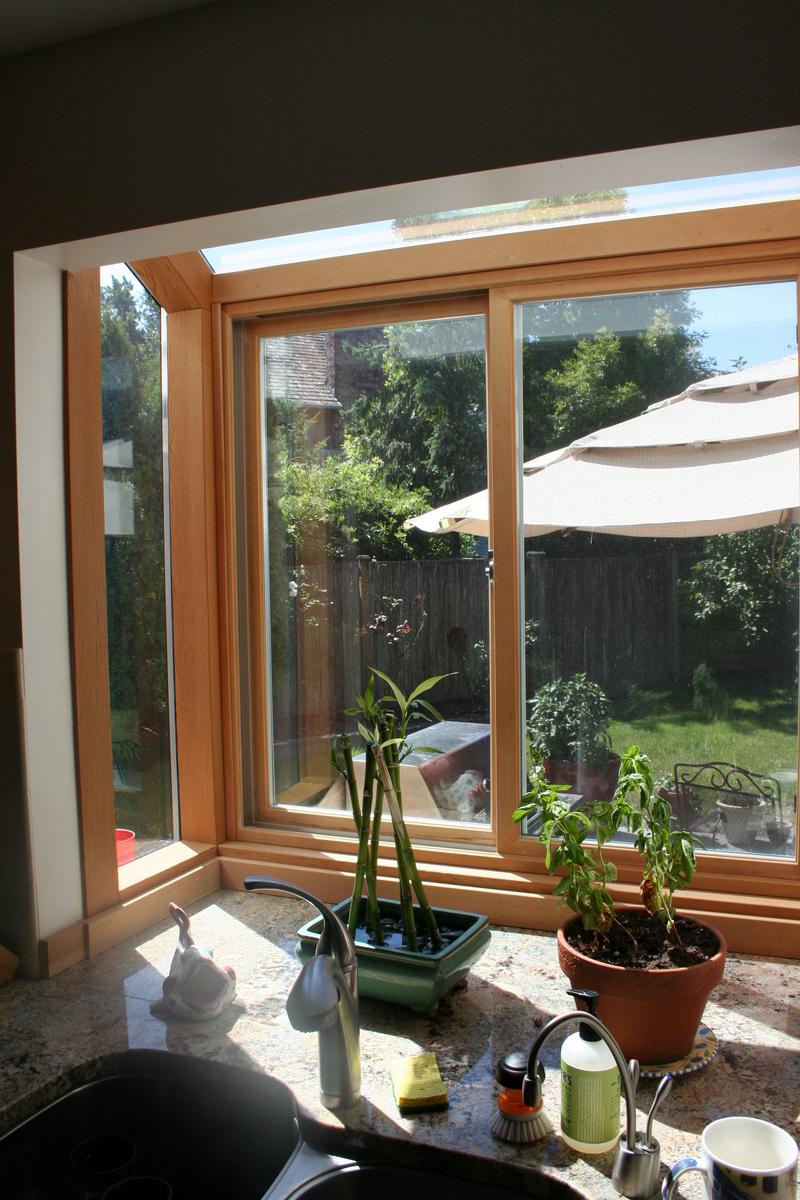 Kitchen window garden photo - 2