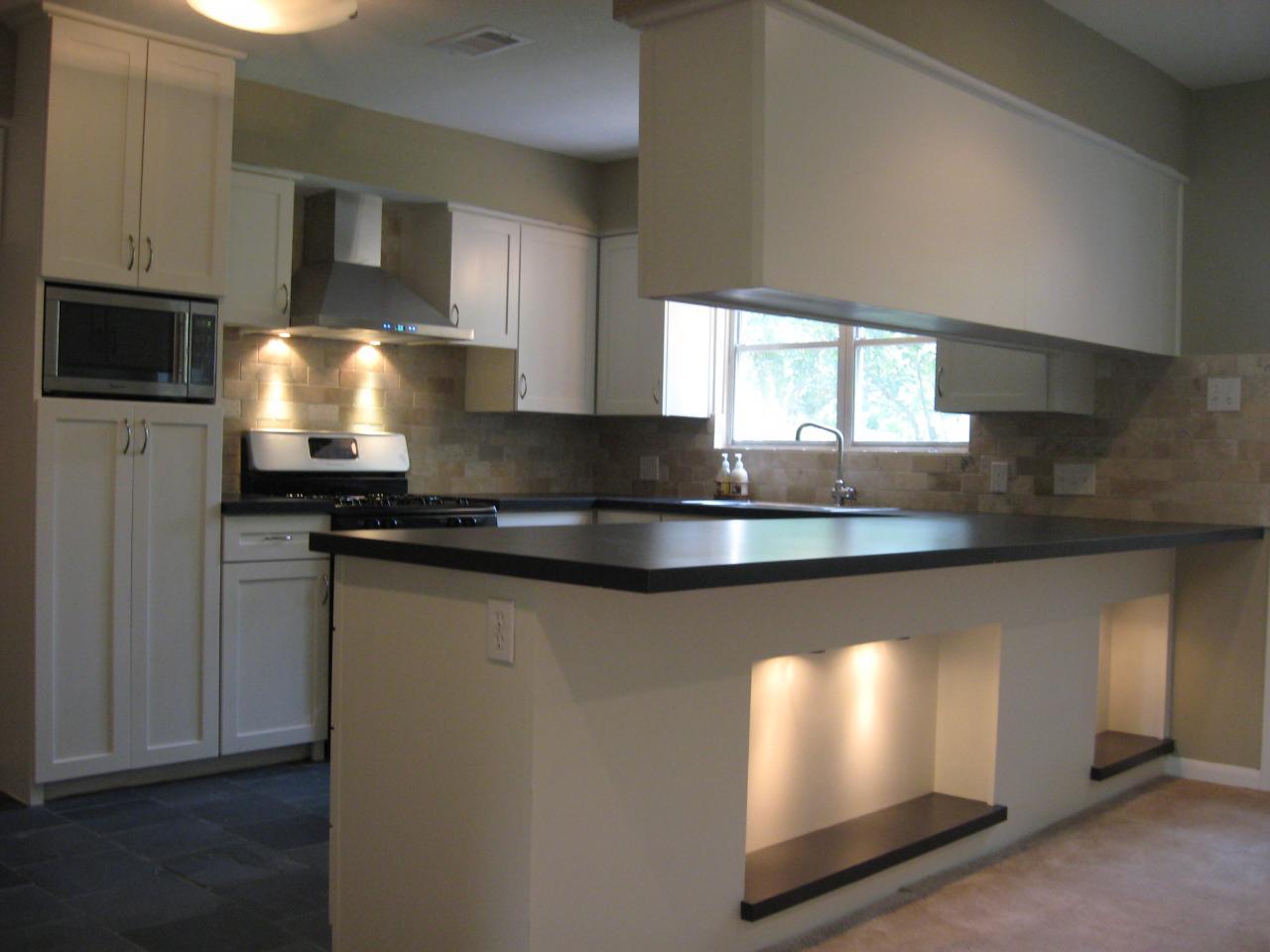 Modern kitchen with island photo - 2