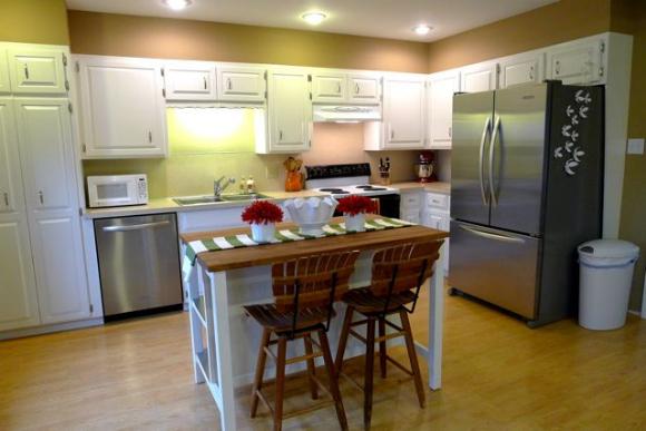 Movable kitchen island photo - 3