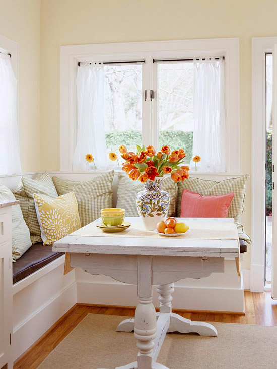 Nook kitchen table and bench photo - 3