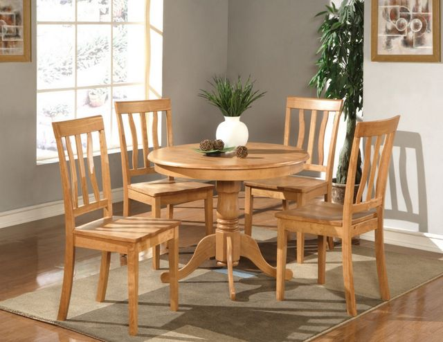 Oak round kitchen table photo - 3