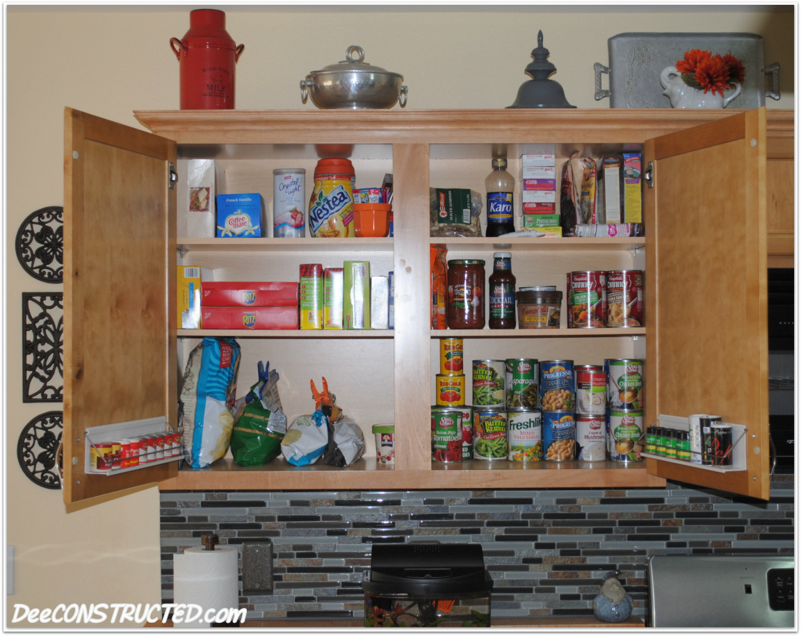 Organized kitchen cabinets photo - 1