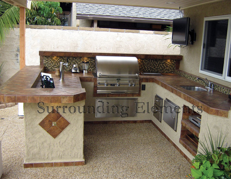 Outdoor kitchen sink station photo - 2