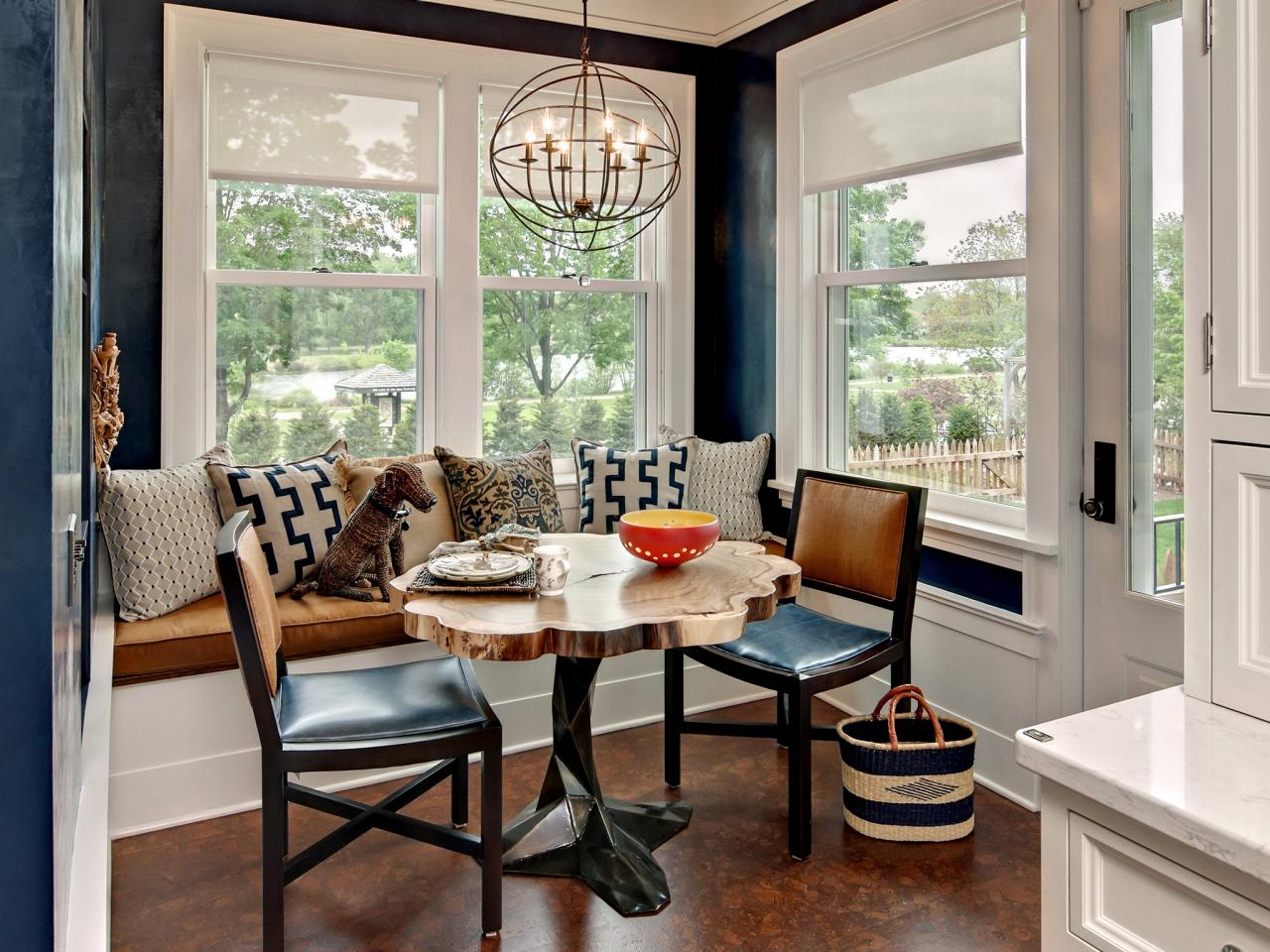 Pedestal kitchen table and chairs photo - 2