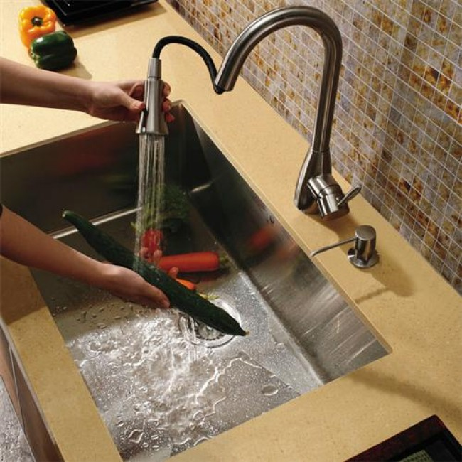 Pull out sprayer kitchen faucet photo - 2