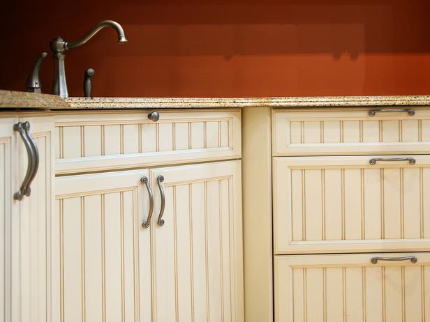 Red kitchen knobs photo - 2