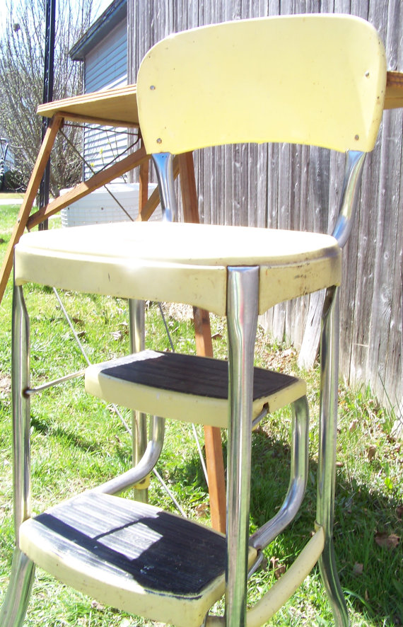 Retro kitchen step stool photo - 2