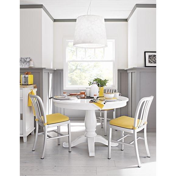 Round white kitchen table photo - 3
