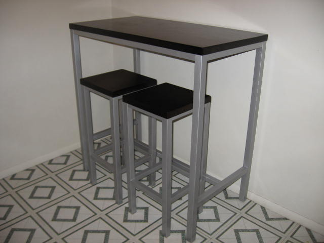 Small kitchen table with stools photo - 1