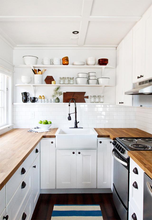 Small white kitchen table photo - 3