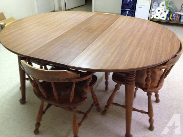 Solid wood kitchen tables and chairs photo - 3
