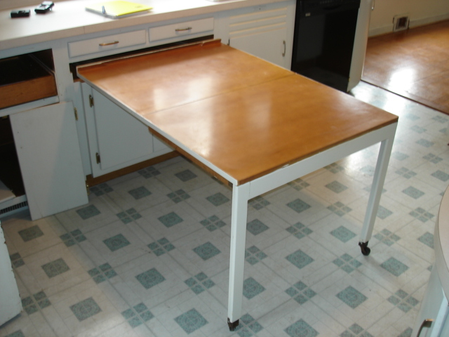Space saver kitchen table photo - 3