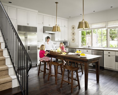 Square kitchen table and chairs photo - 1