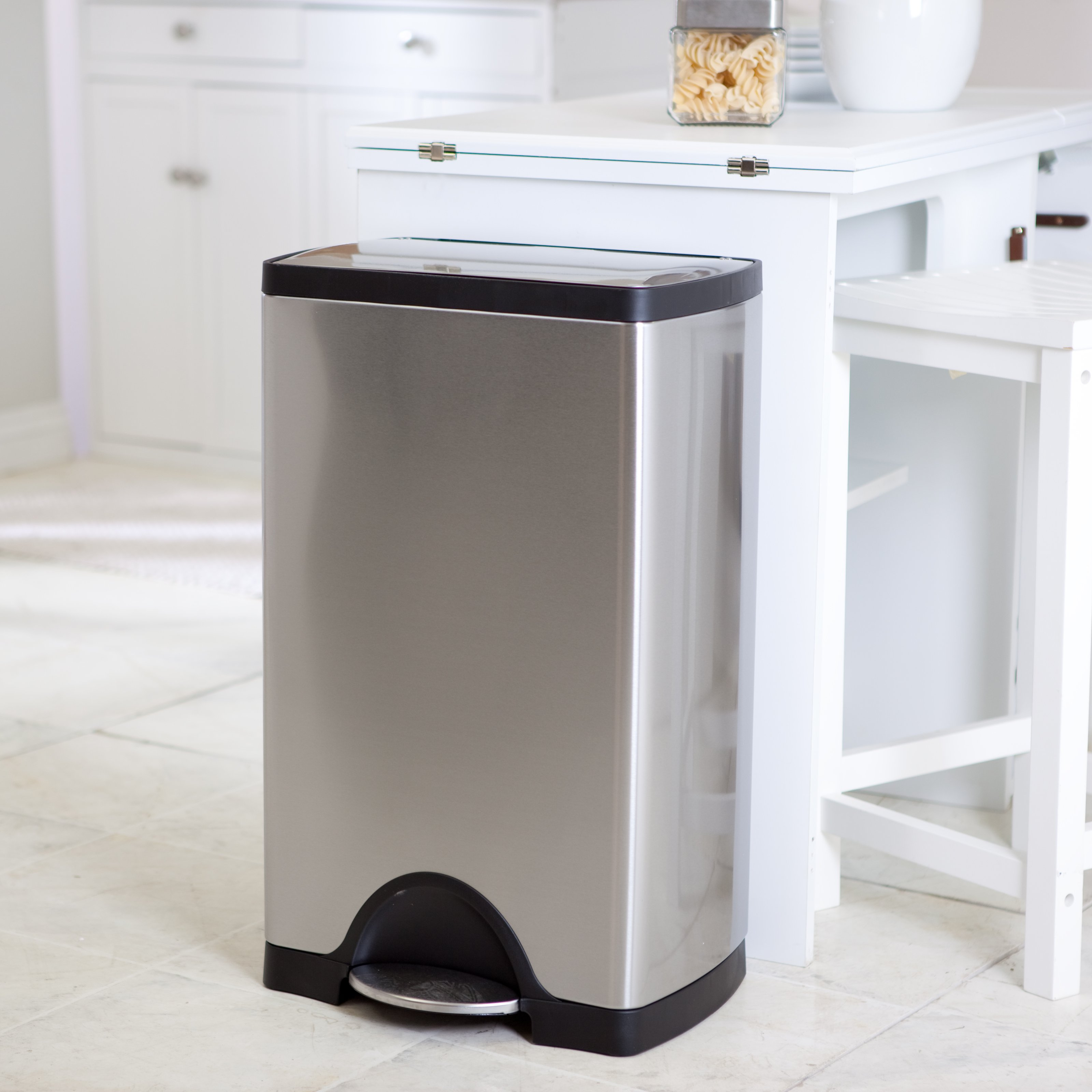 Stainless kitchen trash can photo - 1