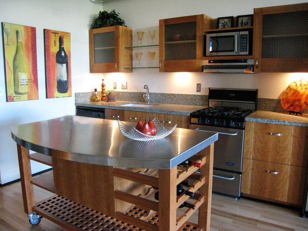 Stainless steel kitchen island photo - 2