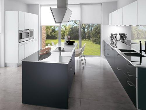 Stainless steel top kitchen island photo - 2