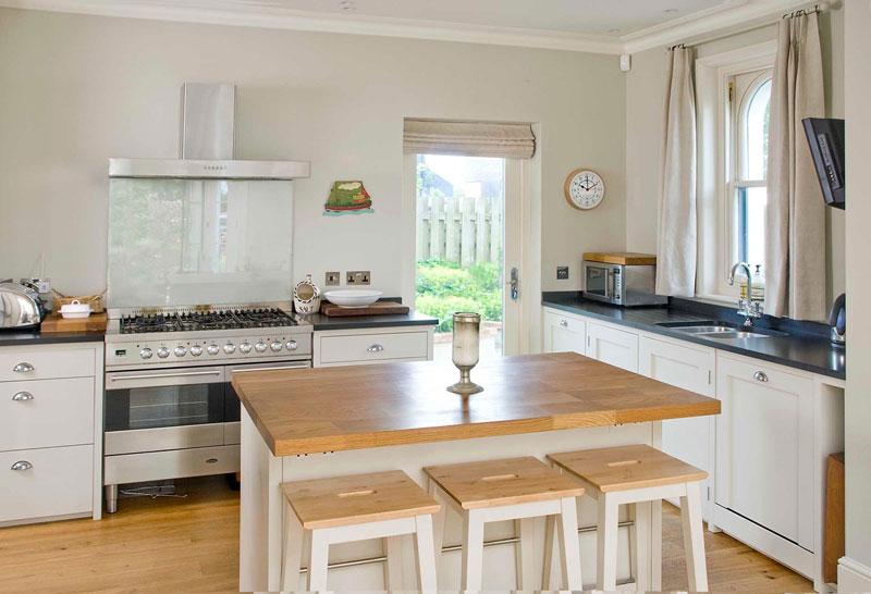 Tall kitchen table photo - 2
