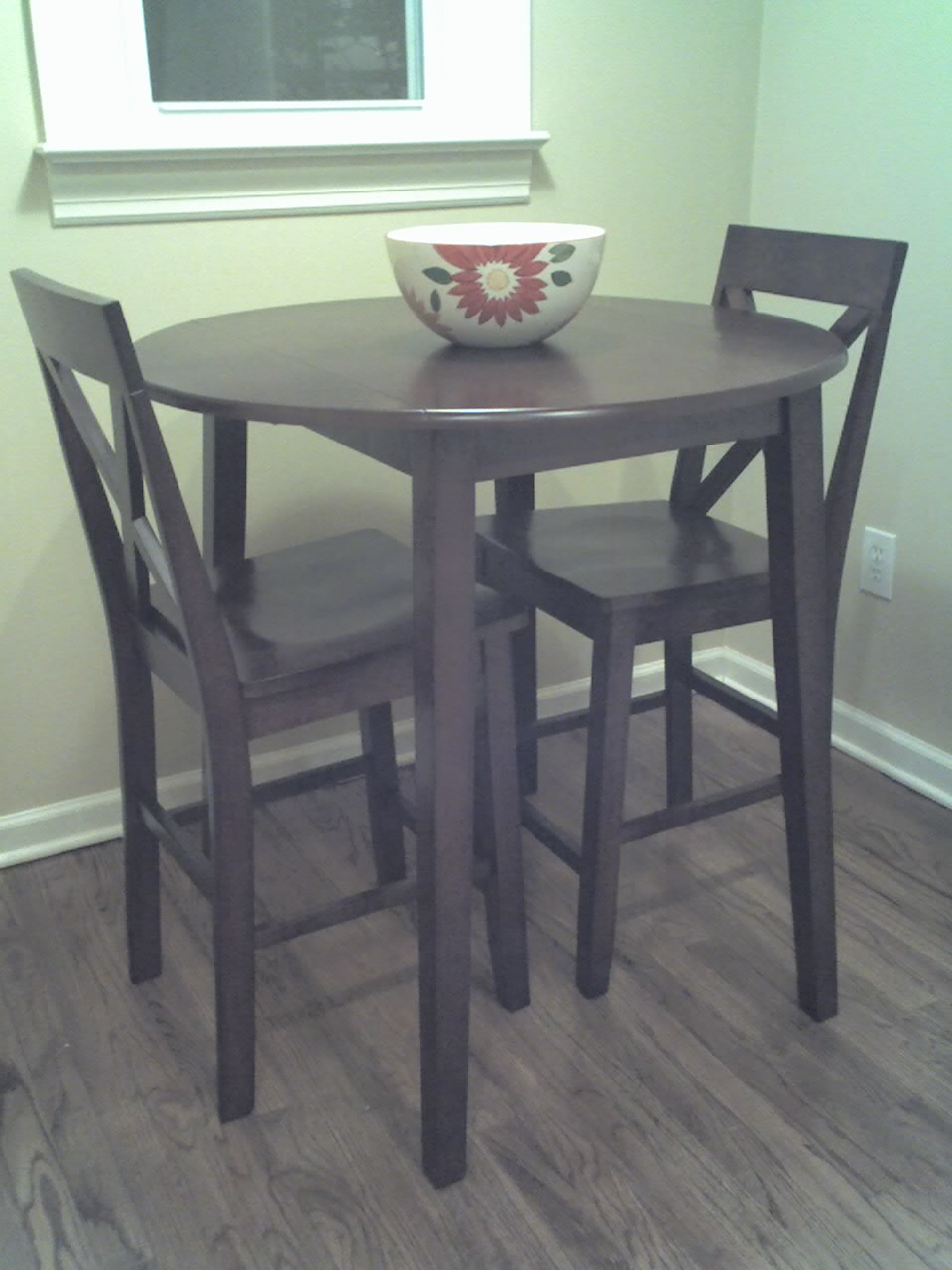 Tall kitchen tables and chairs photo - 1