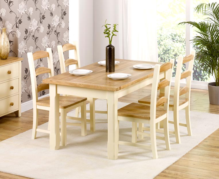 White table and chairs for kitchen photo - 1