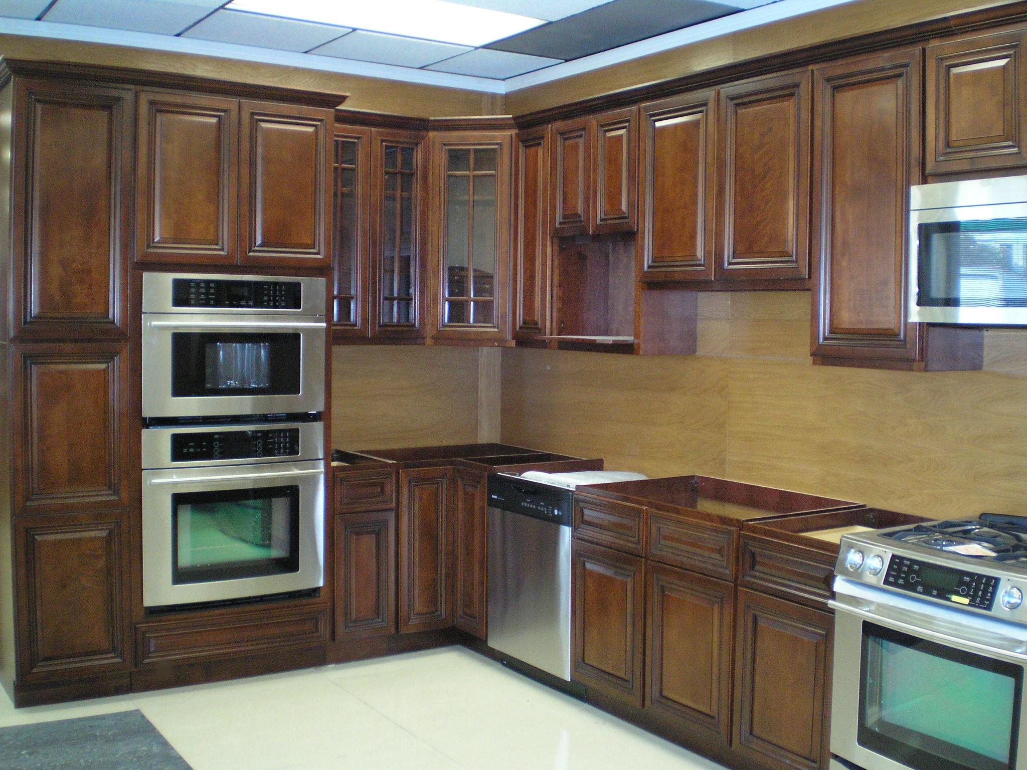 Wood top kitchen island photo - 3