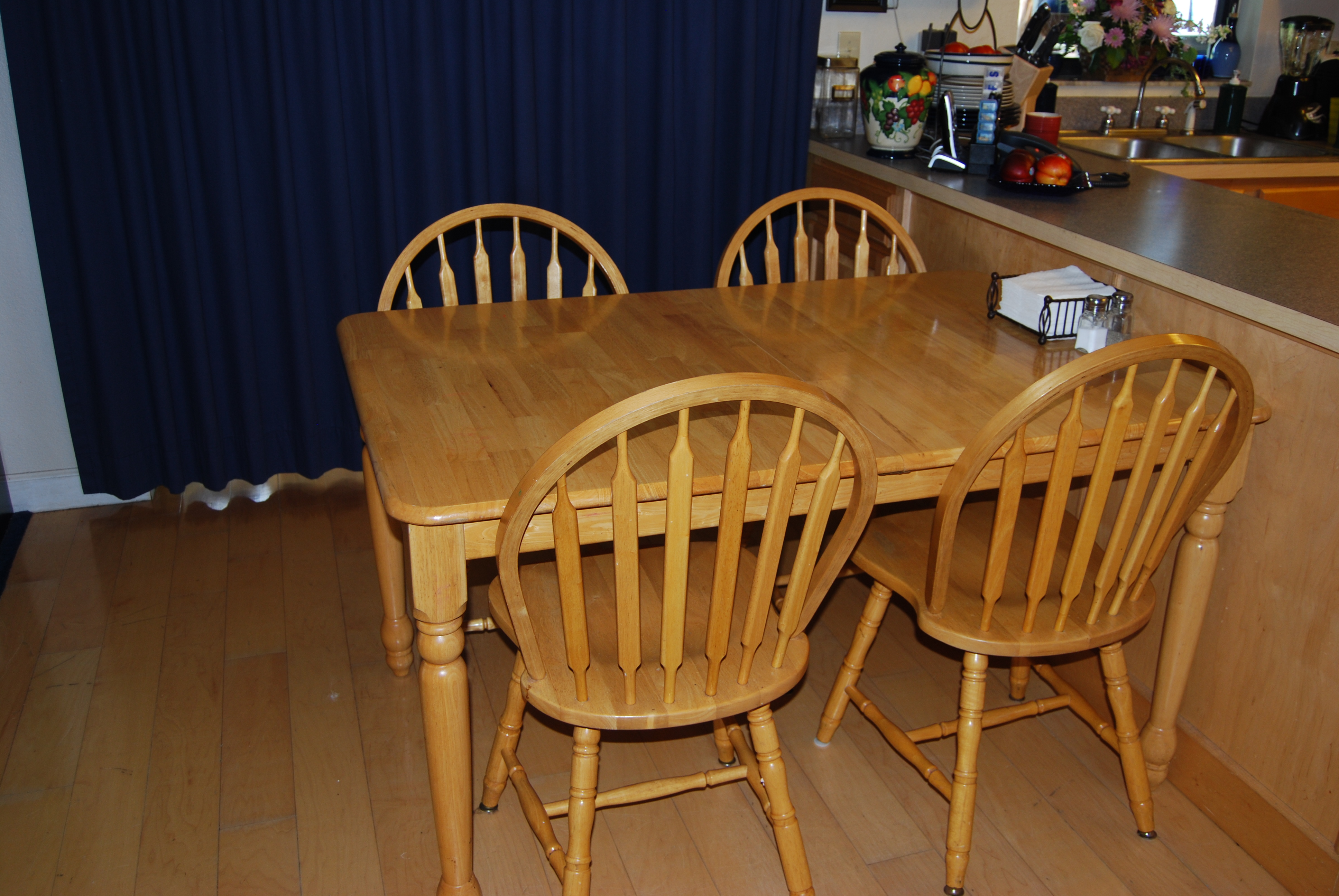 Wooden kitchen tables and chairs photo - 2