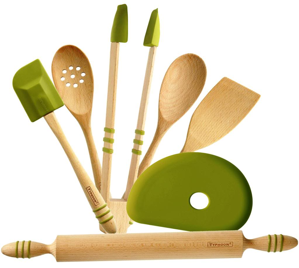 Wooden kitchen utensils photo - 3