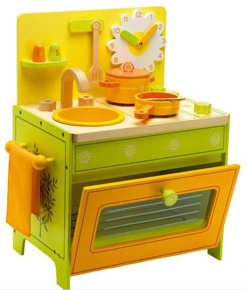 Wooden toddler kitchen photo - 2