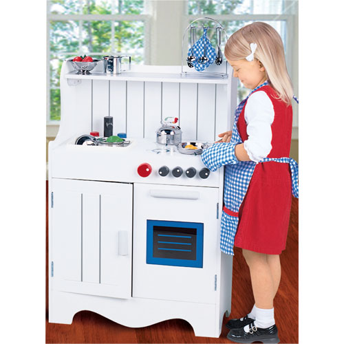 Wooden toddler kitchen photo - 3