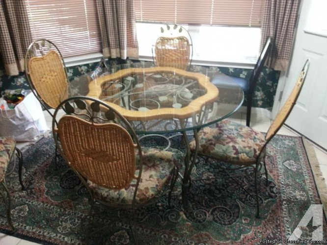 10 Photos To Wrought Iron Kitchen Table And Chairs