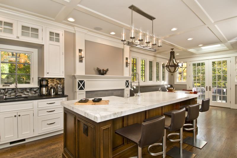 large kitchen island photo - 2
