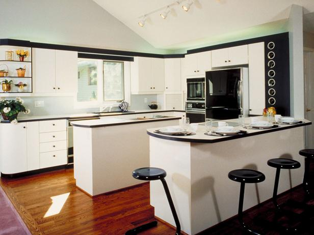 white kitchen island photo - 1
