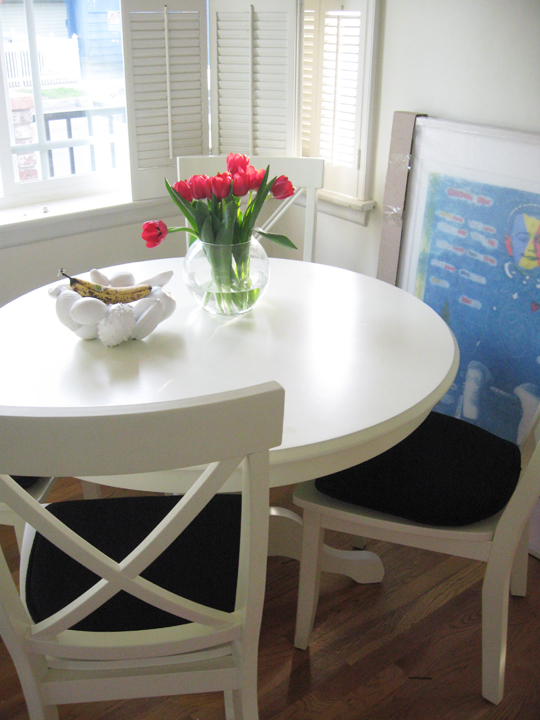white kitchen table and chairs photo - 2